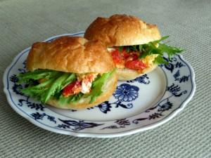 クッキングトマトと常備してある食材で簡単に作れます.