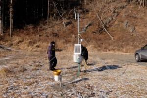 気象観測装置からデータ収集をしています.